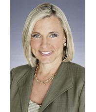 Carolyn L Weinand